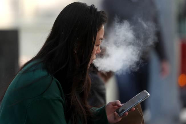 研究顯示,電子菸致病的原因之一是菸油中的維他命E成分。(Getty Images)