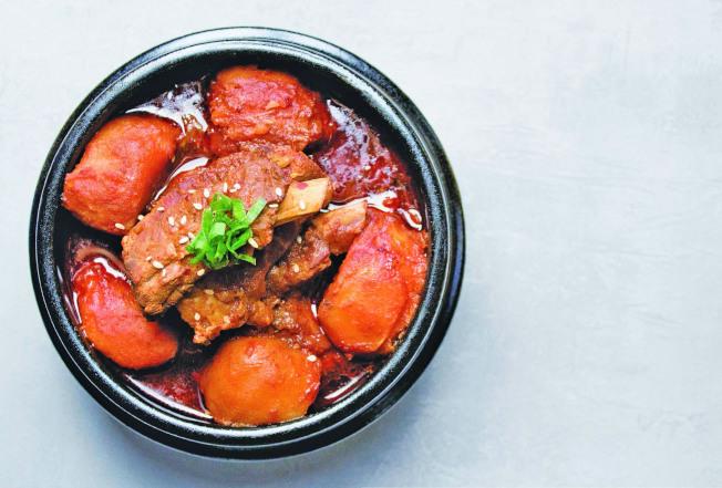 韓式馬鈴薯燉肋排。(圖:台灣廣廈提供)