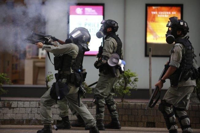 香港反送中抗議潮不斷,警民衝突頻傳。美聯社