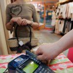 千禧世代 購物季更易負債