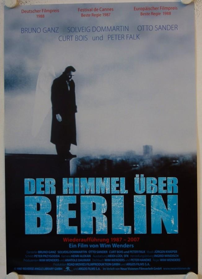 《柏林蒼穹下》的德語電影海報。