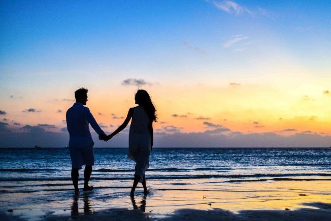 「女追男,隔層紗」,對於想要的愛情,女人們千萬不要手軟,以下4句話,學會活用,想要什麼樣的情感,都能靠自己掌握。圖/摘自 pexels