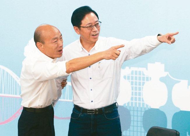 國民黨總統參選人韓國瑜(左)陣營正緊密籌備副手張善政(右)的訪美行,預計12月成行。記者劉學聖/攝影