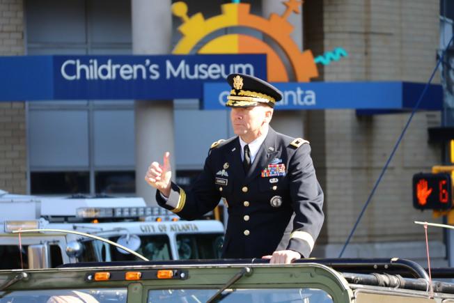 遊行總指揮官卡爾登少將。(記者陳淑玲/攝影)