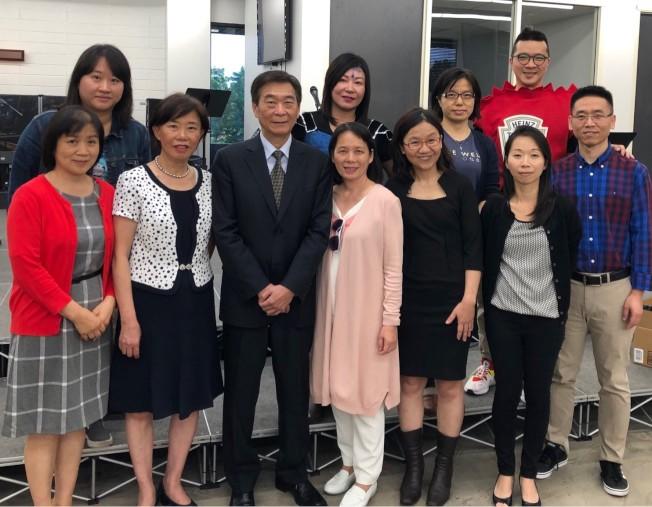 橙僑主任蔣翼鵬(前排左三)出席「正體漢字文化節」活勤。(主辦方提供)