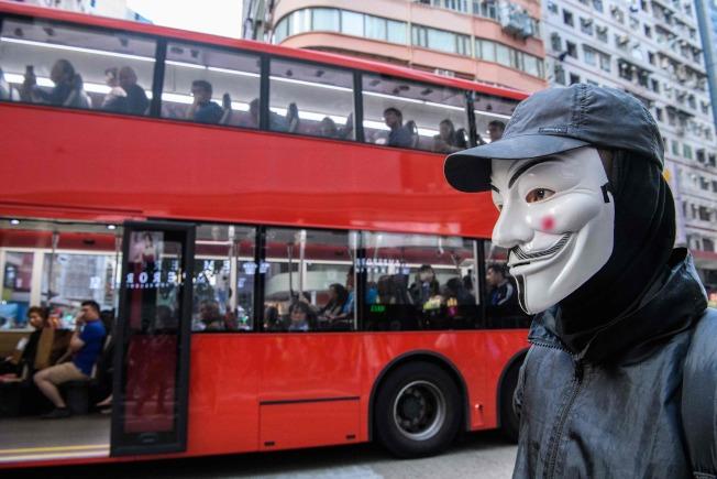 真心或假面?香港和香港人的真實面目,在這一波的抗爭中益形糢糊。(Getty Images)