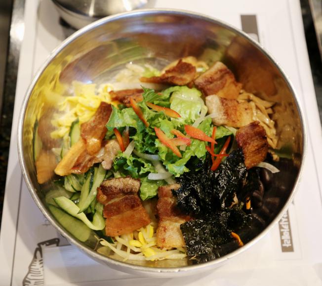 五花肉拌飯營養均衡,好吃又健康。