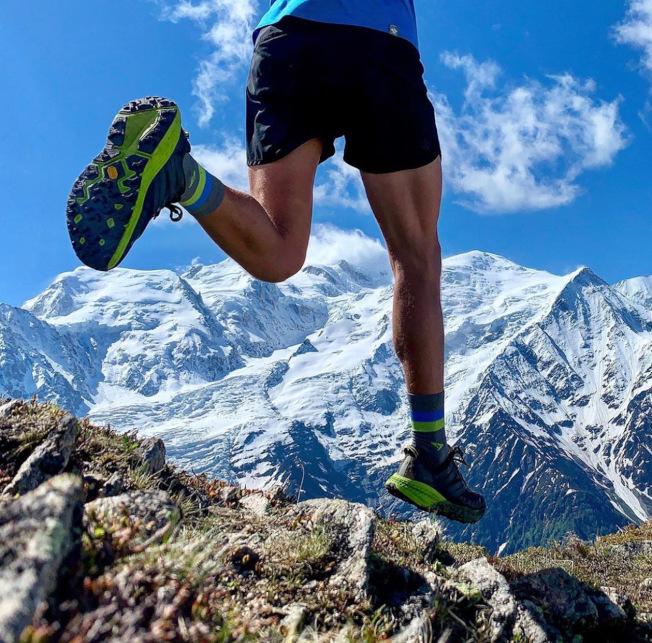運動員設計給運動員穿的專業跑鞋。(Hoka One One官網INS圖片)