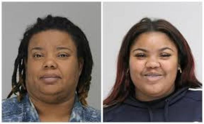 洛杉磯母女Bridget Wilkins (左)和Victoria Wilkins因攜帶大麻,遭達拉斯警方逮捕並控罪。(達拉斯縣警局)