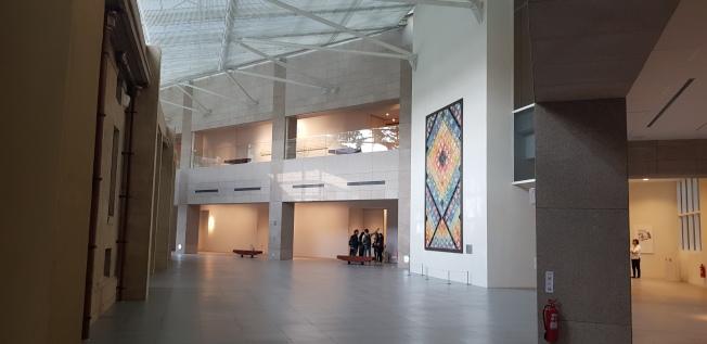 林志玲周日將在台南美術館古蹟內舉辦婚宴,場地是左側古蹟與右側新建築中間的廊道上。記者修瑞瑩/攝影