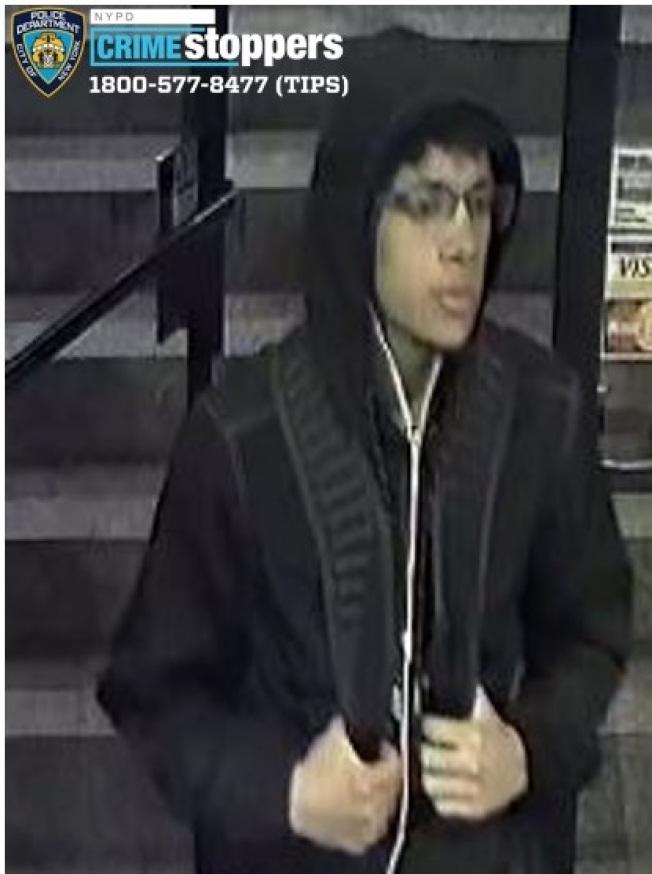 該男子涉嫌在法拉盛搶劫。(警方提供)