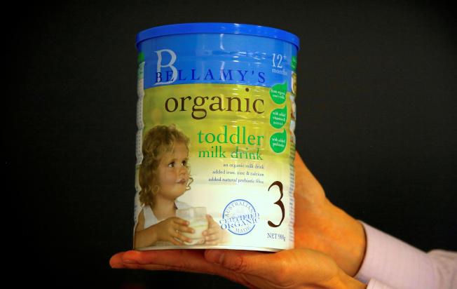 澳洲外國投資審查委員會批准中國蒙牛乳業收購有機嬰兒配方奶粉廠商Bellamy's。路透