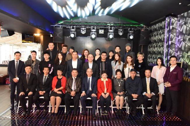 「第8屆超新星全美華人新秀歌唱大賽」與「第2屆超新星全球華人歌唱大賽」正式開跑。