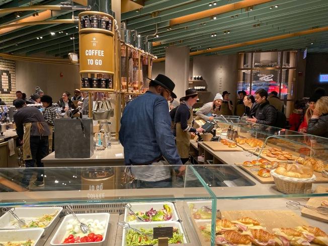全球最大星巴克店,今在芝加哥開幕。特派員黃惠玲/攝影
