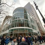 全球最大星巴克在芝加哥開幕  咖啡迷排隊1小時