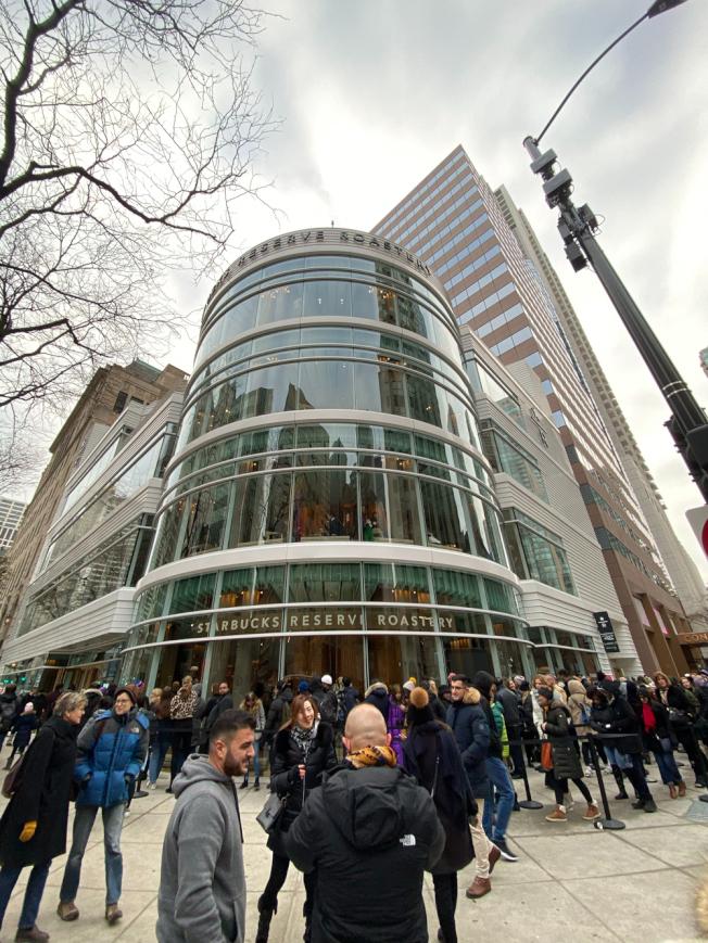 全球最大星巴克店,今在芝加哥開幕,總面積達4.3萬平方英尺。特派員黃惠玲/攝影