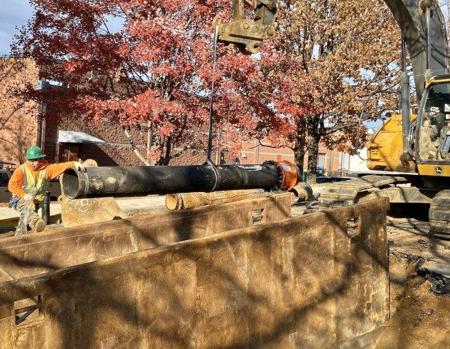 近日大華府地區氣溫驟降,華盛頓特區、維州和馬州三地近日相繼發生水管凍裂事件。(WSSC Water提供)