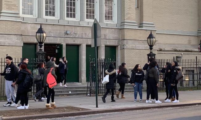 校園霸凌在族裔眾多的紐約市公校中一直存在,圖為紐約市皇后區法拉盛的一所高中。(記者牟蘭/攝影)