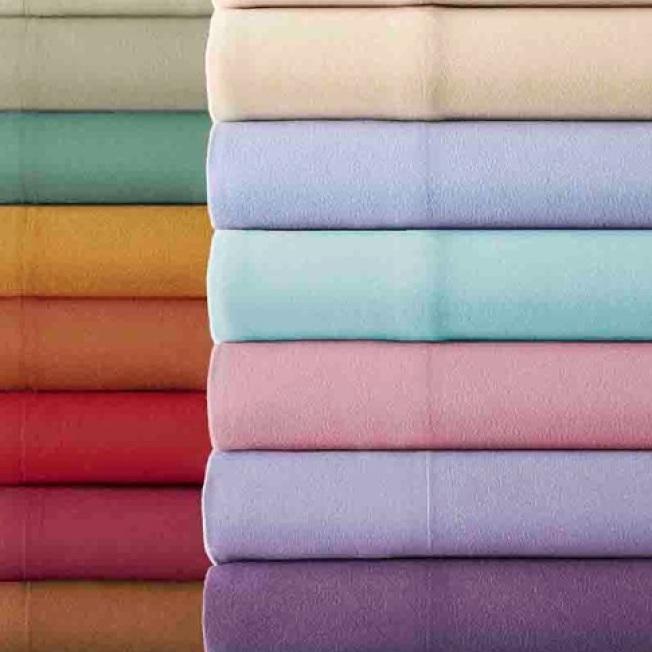 法蘭絨床單保暖,適合冬天用。(Amazon)