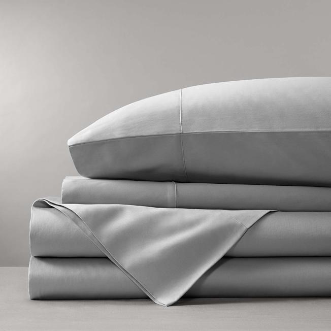 有些床單是整套,搭配枕頭套。(Amazon)