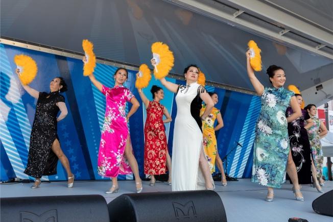 文化融和節有各種舞台表演節目,華裔社團將表演旗袍扇舞。(大會提供)