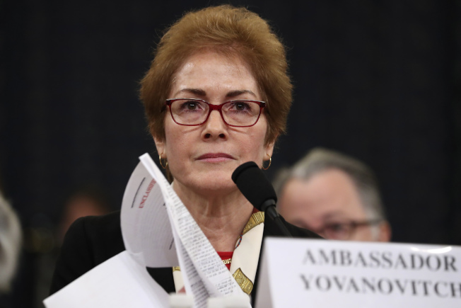 美國前駐烏克蘭大使尤凡諾維契作證說,她被抹黑,並且被逼離職。(美聯社)