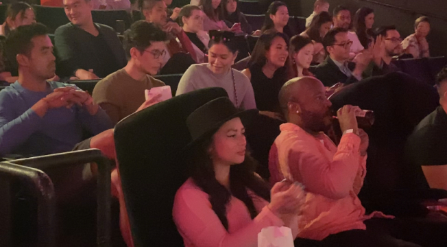 NBC電視劇《良善之地(The Good Place) 》的菲律賓裔演員Jason Mendoza(後排左二)支持台美電影節。(記者謝雨珊╱攝影)