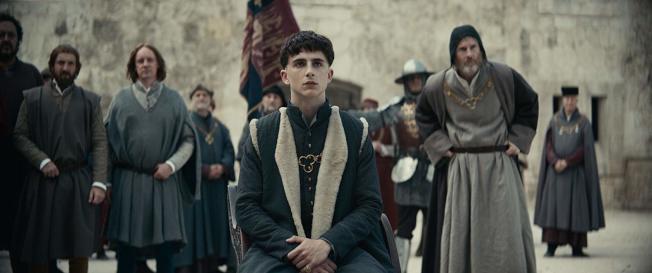 提摩西夏勒梅近年來當紅搶手,片約不斷,Netflix新片「國王」也由他主演。(取材自IMDb)