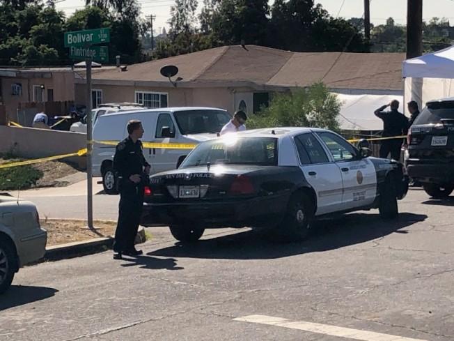 聖地牙哥16日發生家庭暴力案導致五死一重傷,警方封鎖現場調查。(圖片來源John Wilkens / San Diego Union-Tribune)