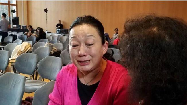 中國泳將孫楊藥檢砸血案15日在瑞士舉行聽證會,孫楊母親哽咽地說:「他們不給我機會說清楚。」(取材自微博)