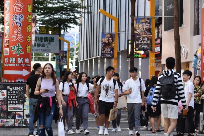 台灣民眾普遍支持香港年輕人發起的反送中運動。(記者李秀蘭/攝影)