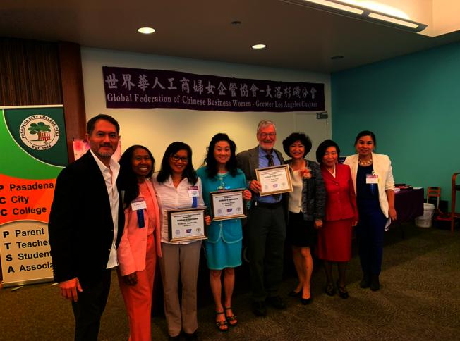 亞裔美國人癌症預防研討會,凌生輝(右二)李立華(右三)和Brian Tiep(右四)、薛曉青(左四)等合影。