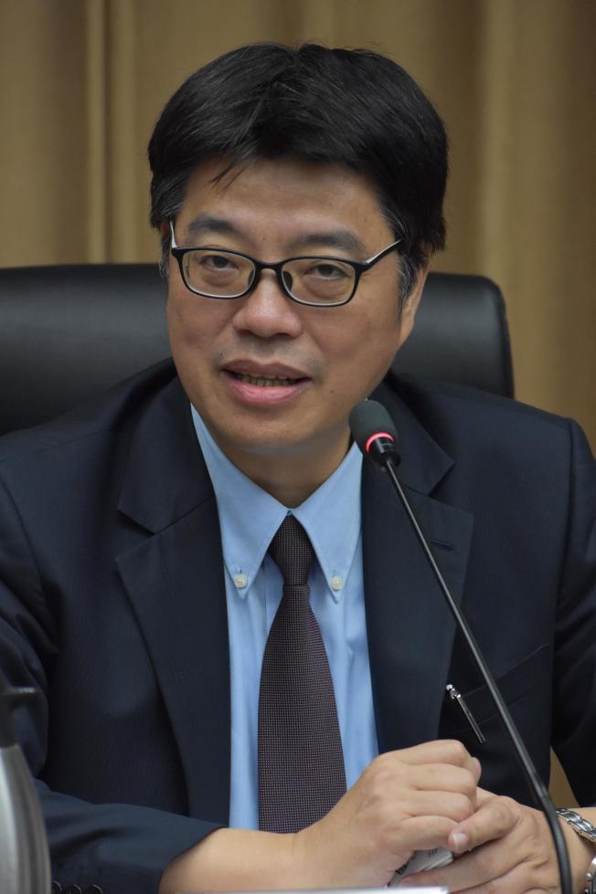 台灣大陸委員會副主任委員邱垂正表示,至今港澳人士移民台灣的政策未變。(記者李秀蘭/攝影)