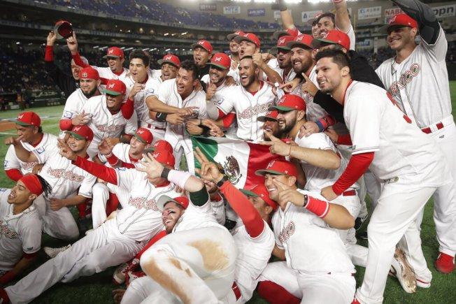 墨西哥再延長賽突破僵局制,10局下敲出斷棒再見安打,以3:2再度氣走美國,搶下12強季軍與珍貴的奧運門票。 美聯社