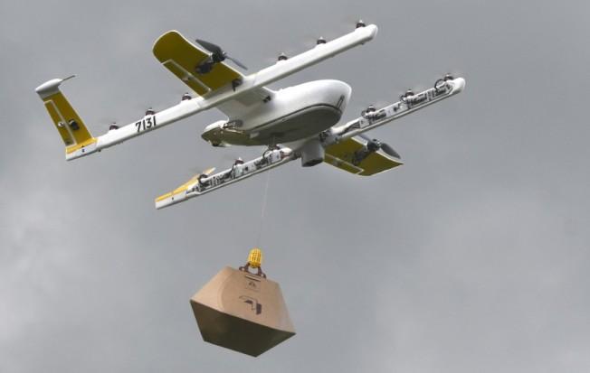 「送貨到府」在電子商務時代,愈來愈盛行,而無人機送貨,被視為清潔、快速的新潮流,但研究顯示,無人機仍有其限制,無法完全取代卡車送貨。(美聯社)