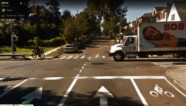 69路上坡處因單車道畫線消失被居民稱為「奪命長廊」。(谷歌地圖截圖)