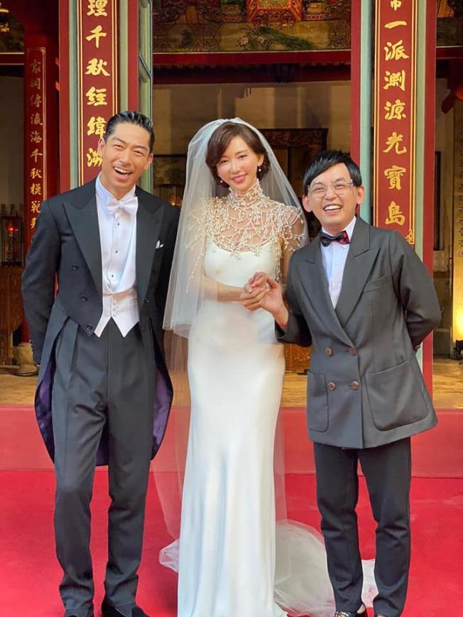 黃子佼(右)開心到台南送上祝福。(取材自臉書)