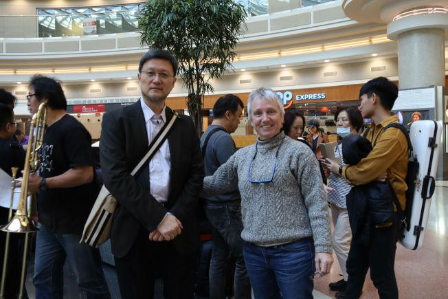 台北市交團長何康國博士(左)與亞特蘭大建築師Simone du Boise。(記者陳淑玲/攝影)