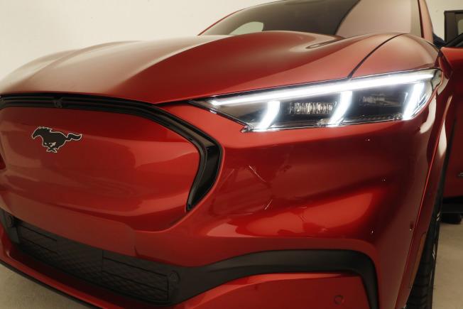 福特發表了其首款全電動SUV,稱為野馬Mach-E。(美聯社)