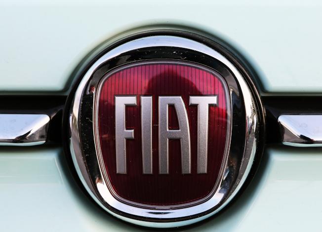 飛雅特-克萊斯勒汽車公司與聯合汽車工會18日開始談判,如果達不成與通用和福特類似的協議,罷工可能無法避免。(美聯社)
