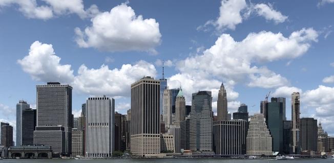 購買紐約市一些地區的房屋,普通紐約人要存錢100年甚至更久才能付得起。(記者朱蕾/攝影)