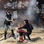 絕處逃生!香港理大示威者 摸黑吊繩突圍