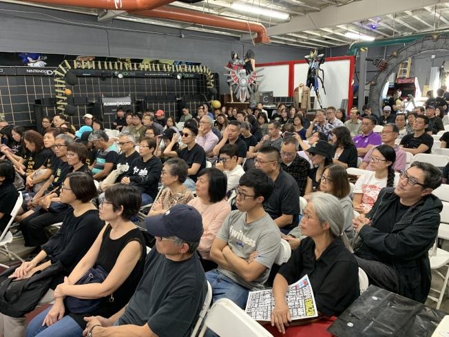 來自洛杉磯的與會民衆。(本報記者/攝影)