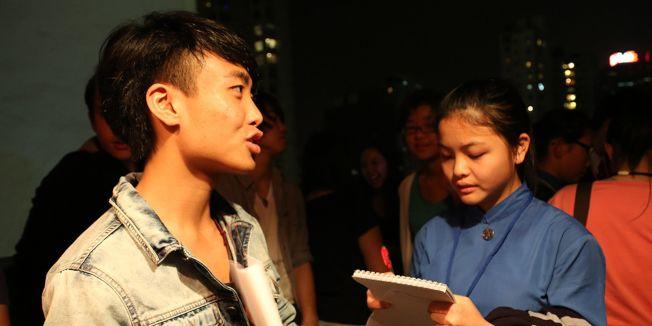 台灣公視特約導演鄧卓儒(左)。(取材自臉書)