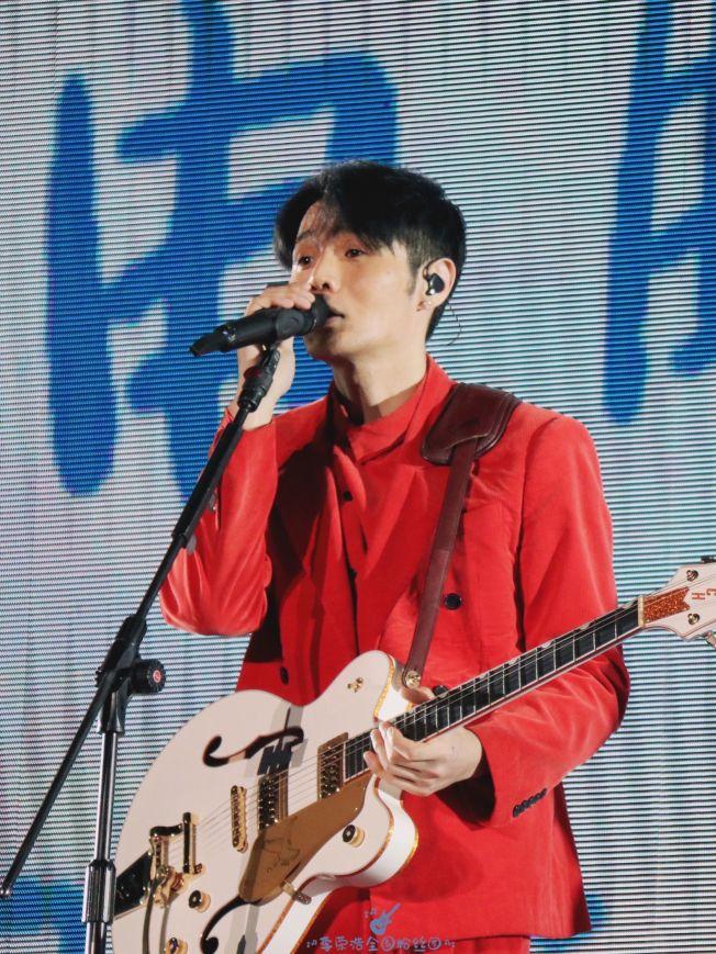 李榮浩自爆寫歌速度很快,卻招來網友質疑。(取材自微博)