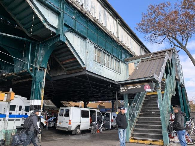 包括103街在內的六個7號線地鐵站將大修。(記者劉大琪/攝影)