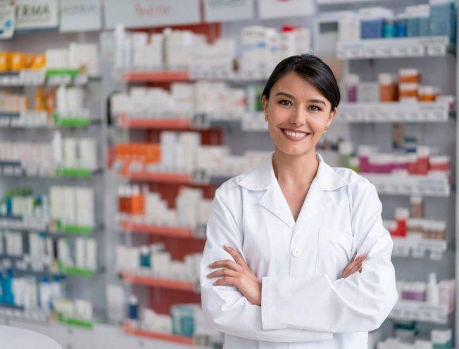 成為藥劑師須接受多年教育和訓練,但一畢業,年薪就有6位數。(取自推特)