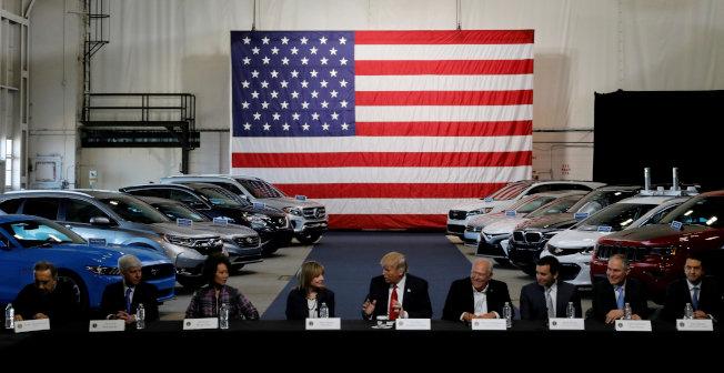 法律專家指出,232條款的期限已過,川普不能依據這項法律對進口汽車加徵關稅。 路透