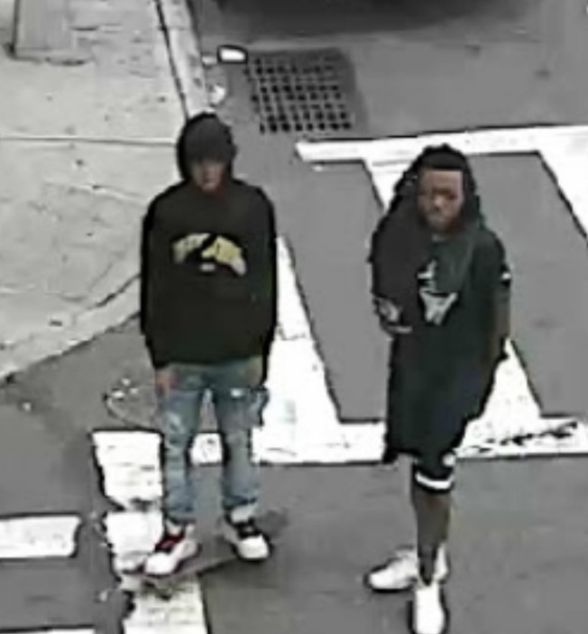 二少年劫匪作案時的體貌特徵。(市警提供)
