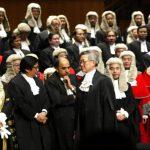 判禁蒙面法違憲燃北京怒火 香港法官英式假髮還能戴多久?